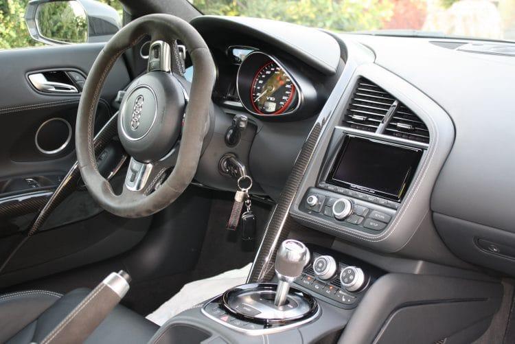 audi r8 düsseldorf cockpit