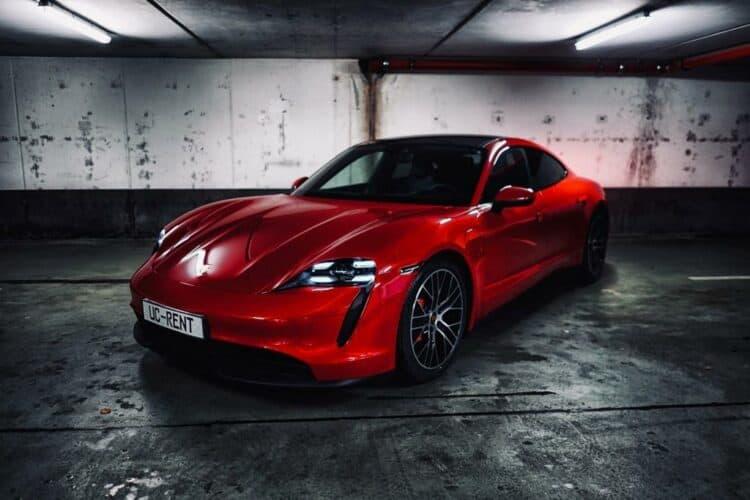 Porsche Taycan 4S mieten in Frankfurt 1