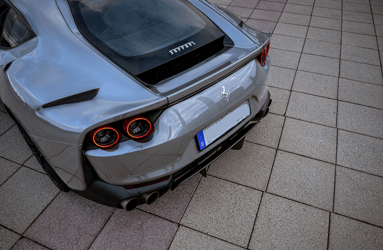 Ferrari 812 Superfast mieten in Berlin 3