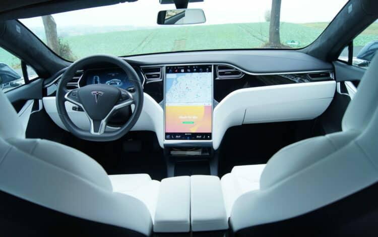 Tesla Model S 75 mieten in Münster
