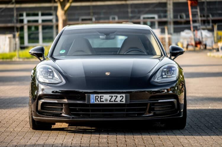Porsche Panamera 4S mieten in Dortmund