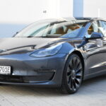 Tesla Model 3 Performance mieten in Stuttgart
