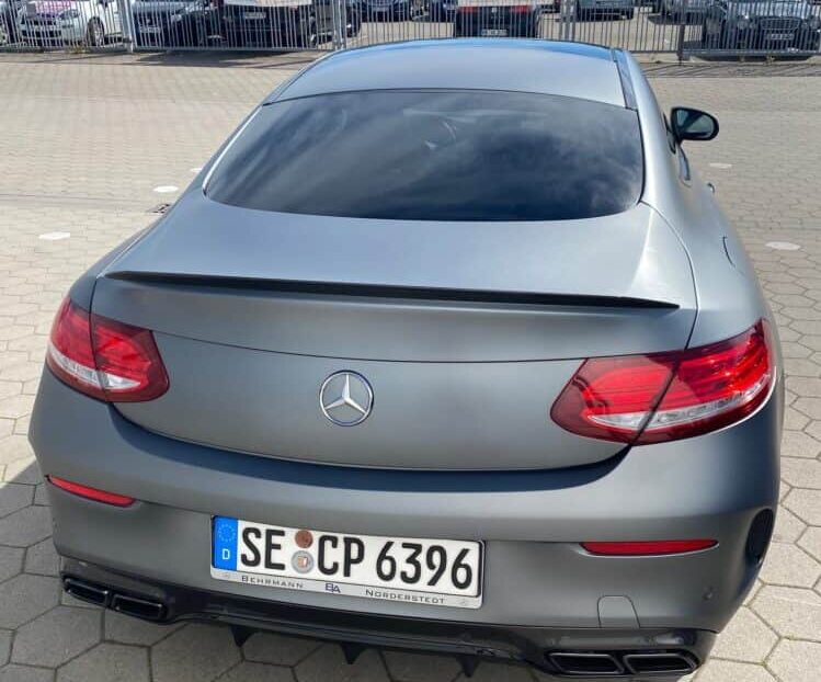 Mercedes-Benz C63 AMG mieten in Hamburg