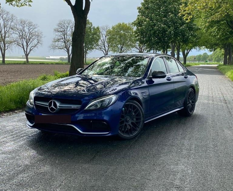 Mercedes C63S AMG mieten in Hannover