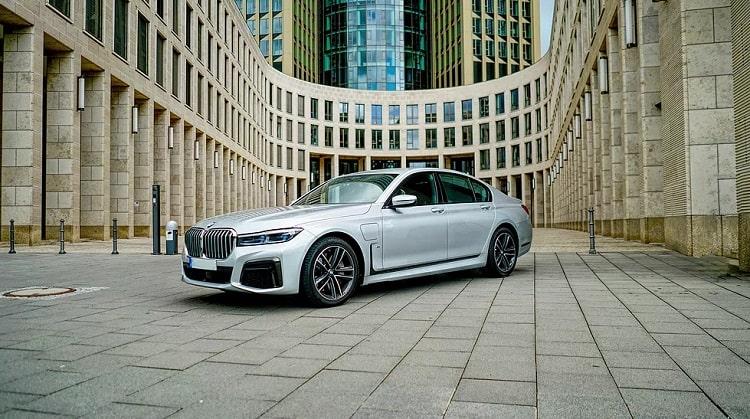 BMW 745E mieten in Frankfurt