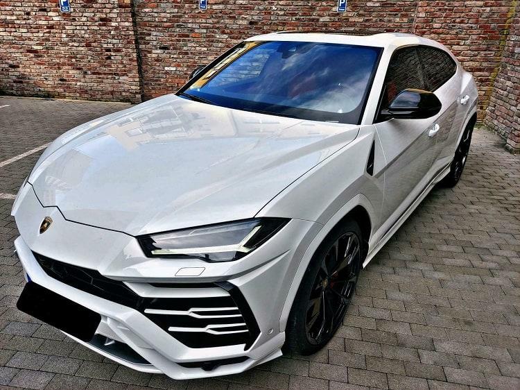 Lamborghini Urus mieten in Dortmund