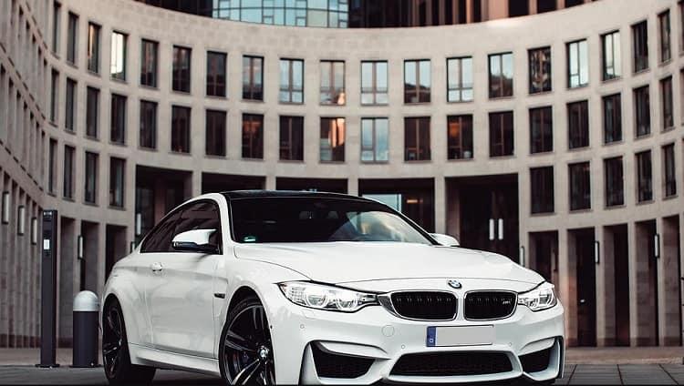 BMW M4 mieten in Frankfurt