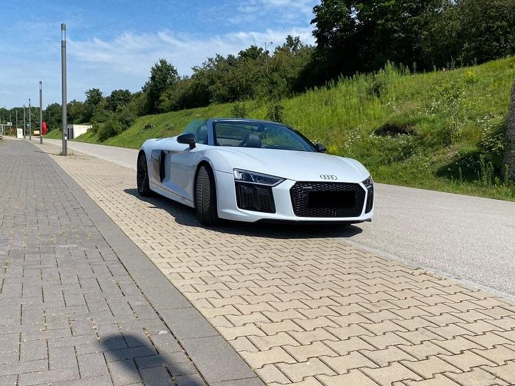 Audi R8 V10 Performance Spyder mieten in Nürnberg