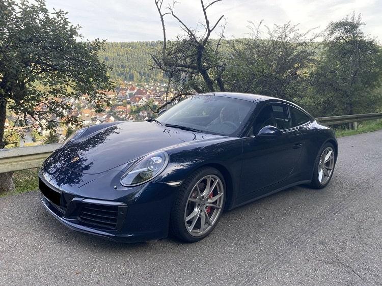 Porsche 911 Carrera 4S mieten in Stuttgart